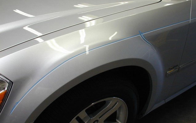 Car Pinstriping on a Dodge Magnum