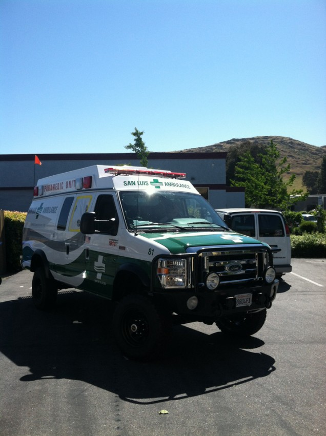 Vehicle Lettering for San Luis Ambulance
